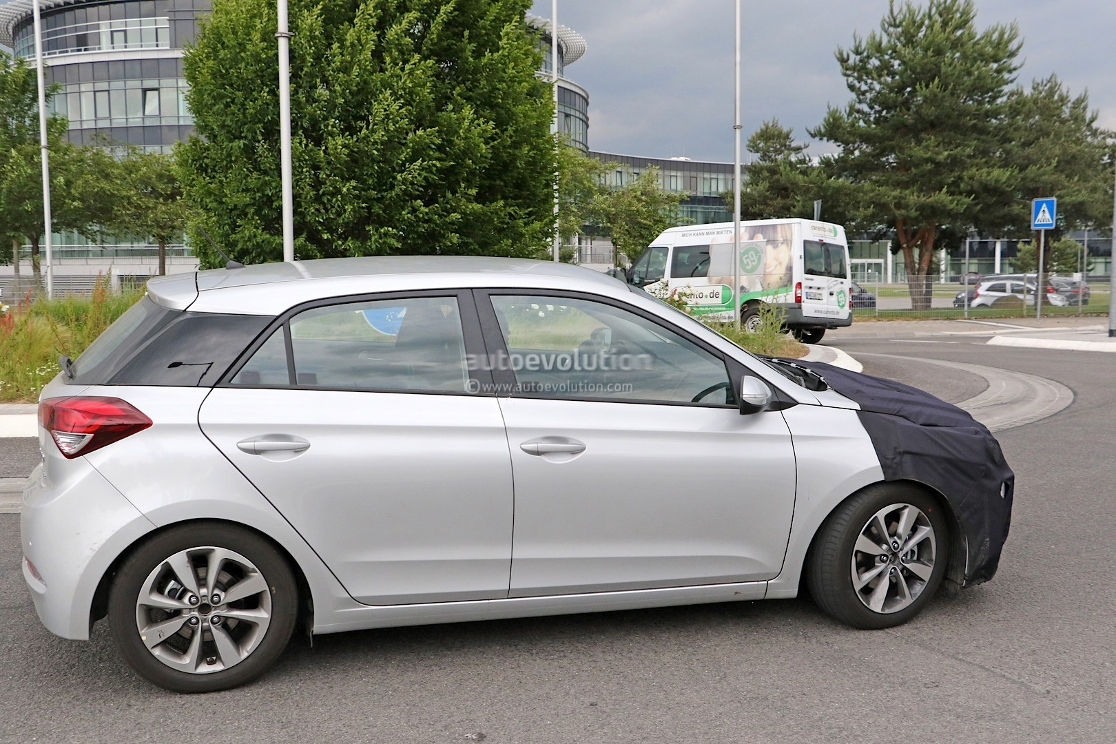 2018 - [Hyundai] I20 restylée Spyshots-hyundai-i20-prototype-spied-we-think-it-s-a-facelifted-version_4