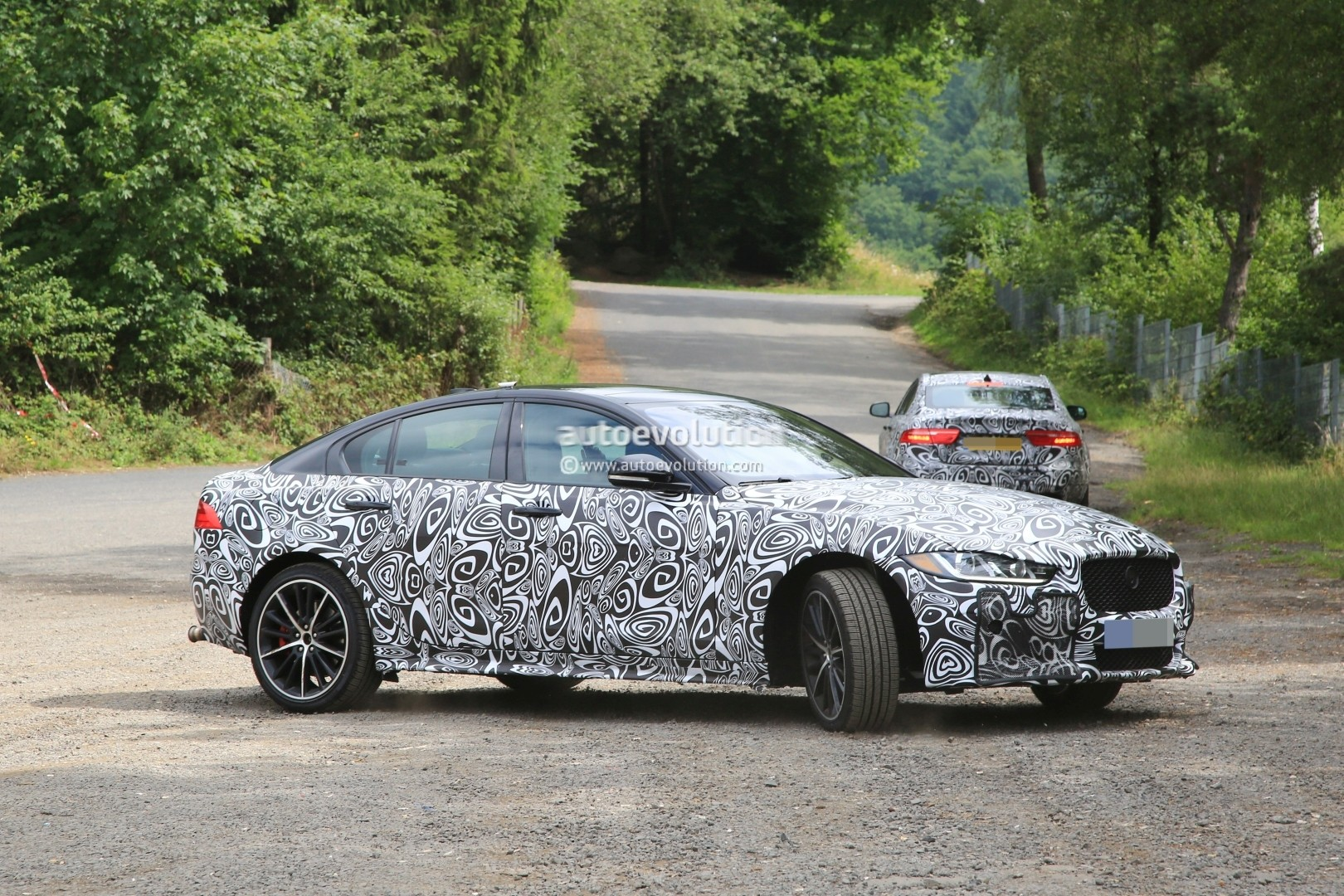 Spyshots: Jaguar XE SVR Has Big Brakes, Gaping Exhaust and Surely Over ...