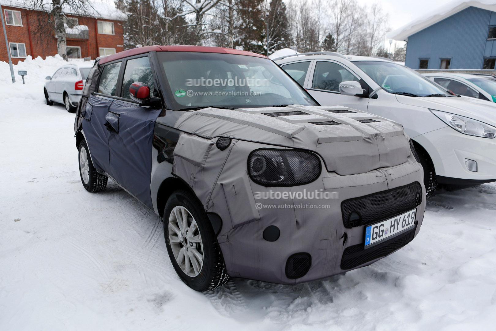 Kia Sorento Interior >> Spyshots: Kia Soul 2014 Interior Revealed - autoevolution