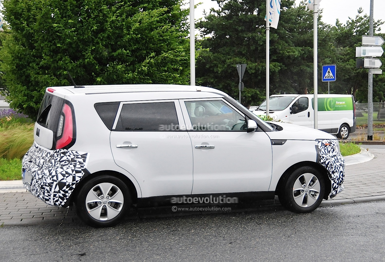 Spyshots: Kia Soul EV to Debut in 2014 - autoevolution