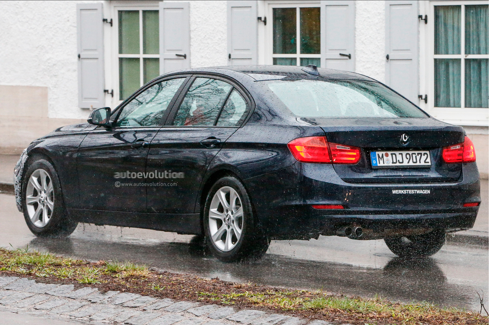 spyshots lci bmw f30 3 series spotted for the first time autoevolution. Black Bedroom Furniture Sets. Home Design Ideas
