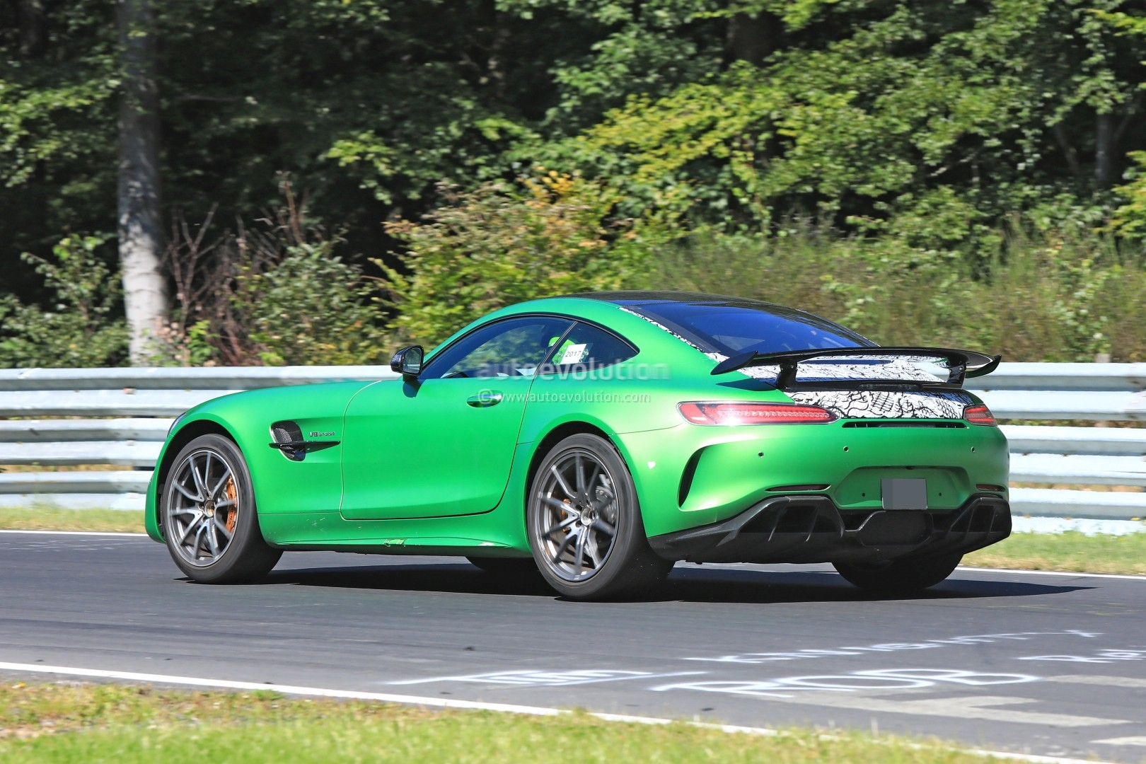 spyshots mercedes amg gt4 gets road version targets sub 7m nurburgring time autoevolution. Black Bedroom Furniture Sets. Home Design Ideas