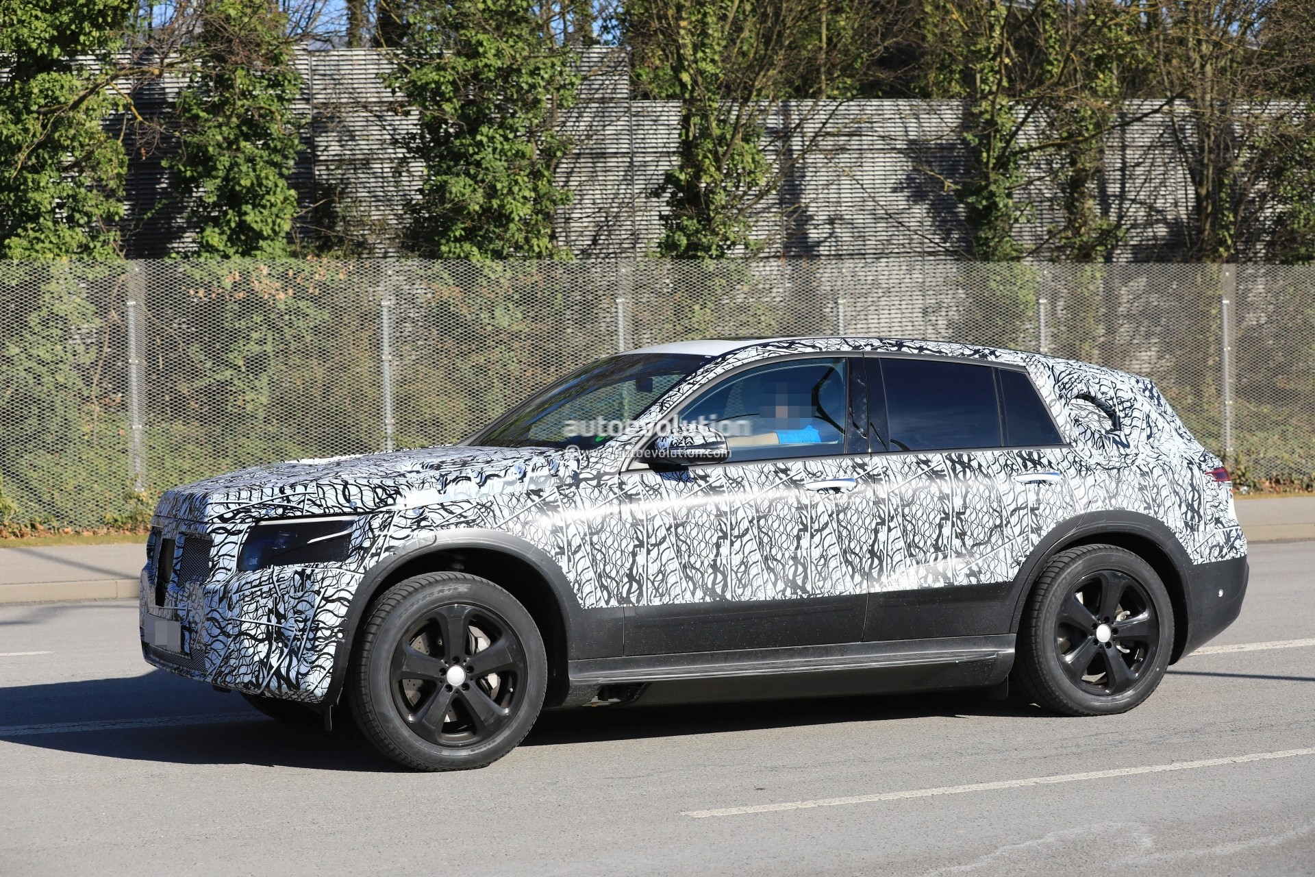 Spyshots 2020 Mercedes Benz Eqc Gets Closer To Production