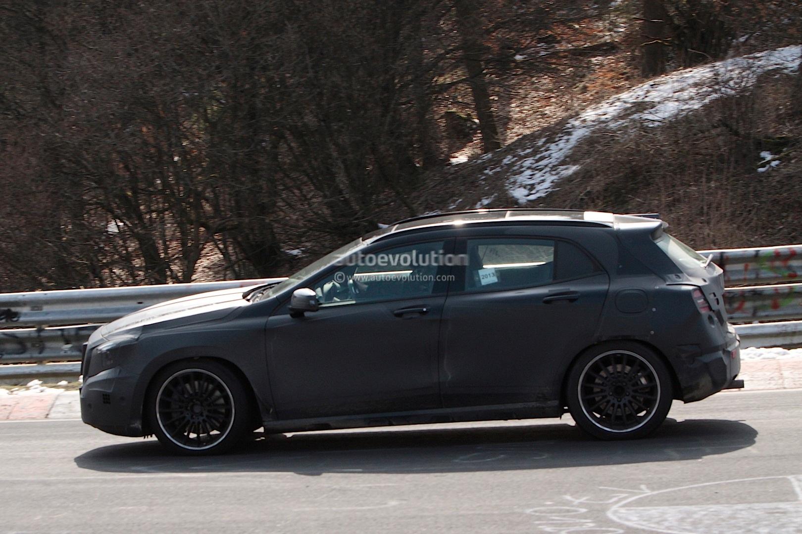 spyshots mercedes gla 45 amg testing at nurburgring. Black Bedroom Furniture Sets. Home Design Ideas
