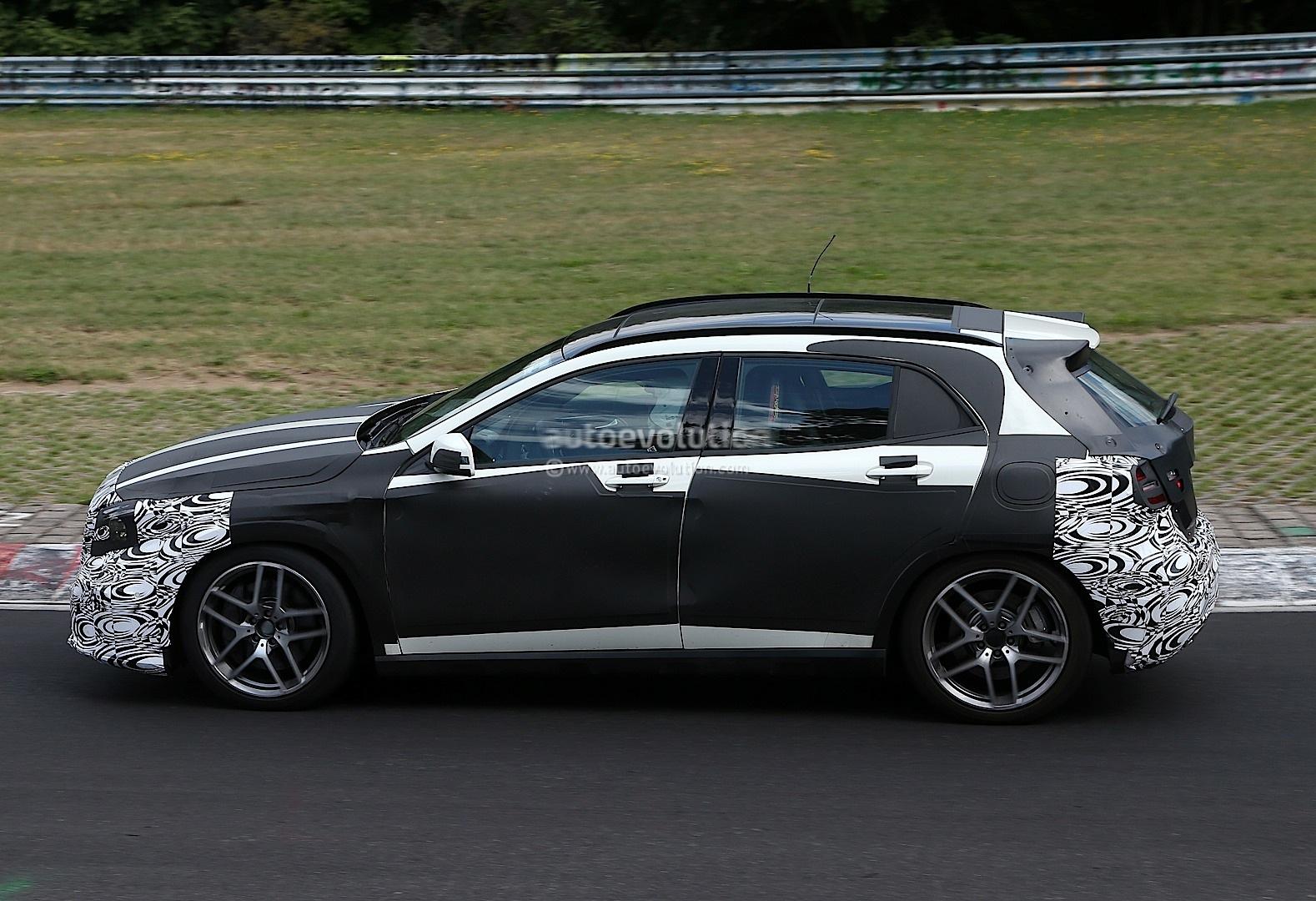 spyshots mercedes gla 45 amg undergoing nurburgring testing autoevolution. Black Bedroom Furniture Sets. Home Design Ideas