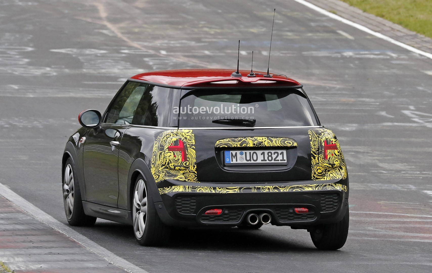 spyshots mini john cooper works hatch facelift looking to. Black Bedroom Furniture Sets. Home Design Ideas