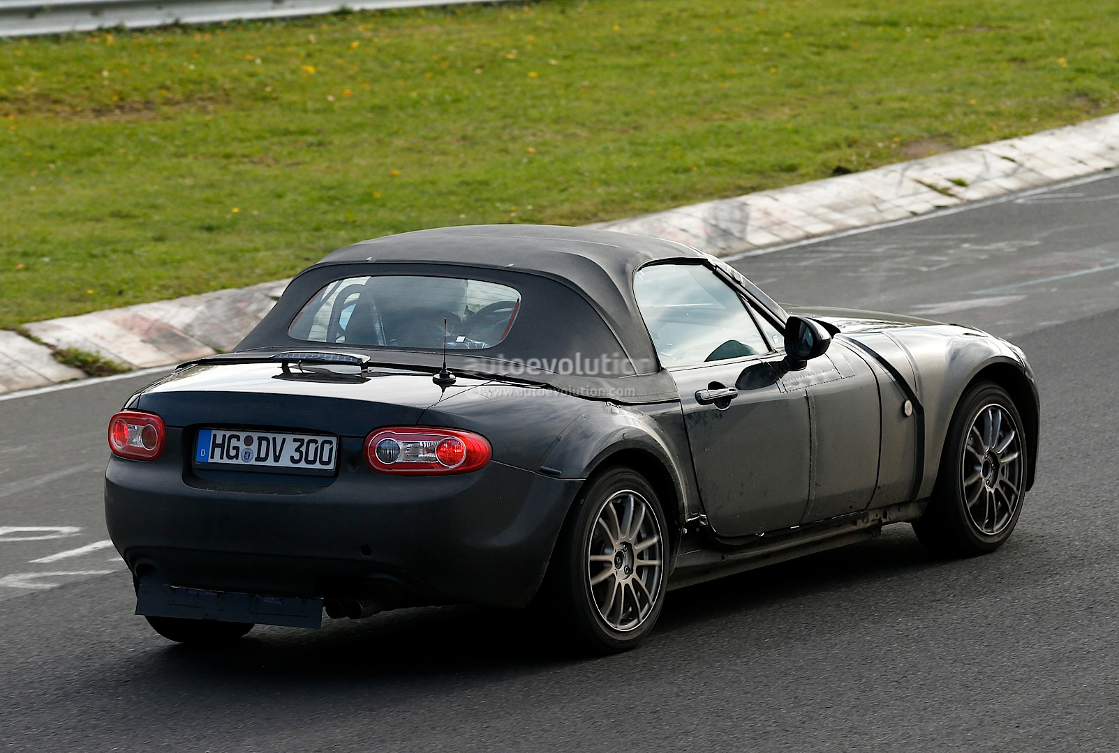 Spyshots New Mazda Mx 5 Alfa Spider Test Mule Spotted