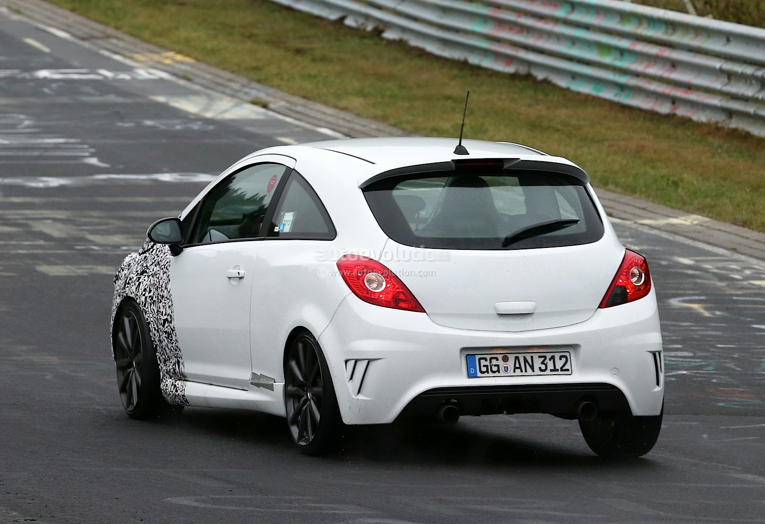 spyshots new opel corsa opc nurburgring testing autoevolution. Black Bedroom Furniture Sets. Home Design Ideas