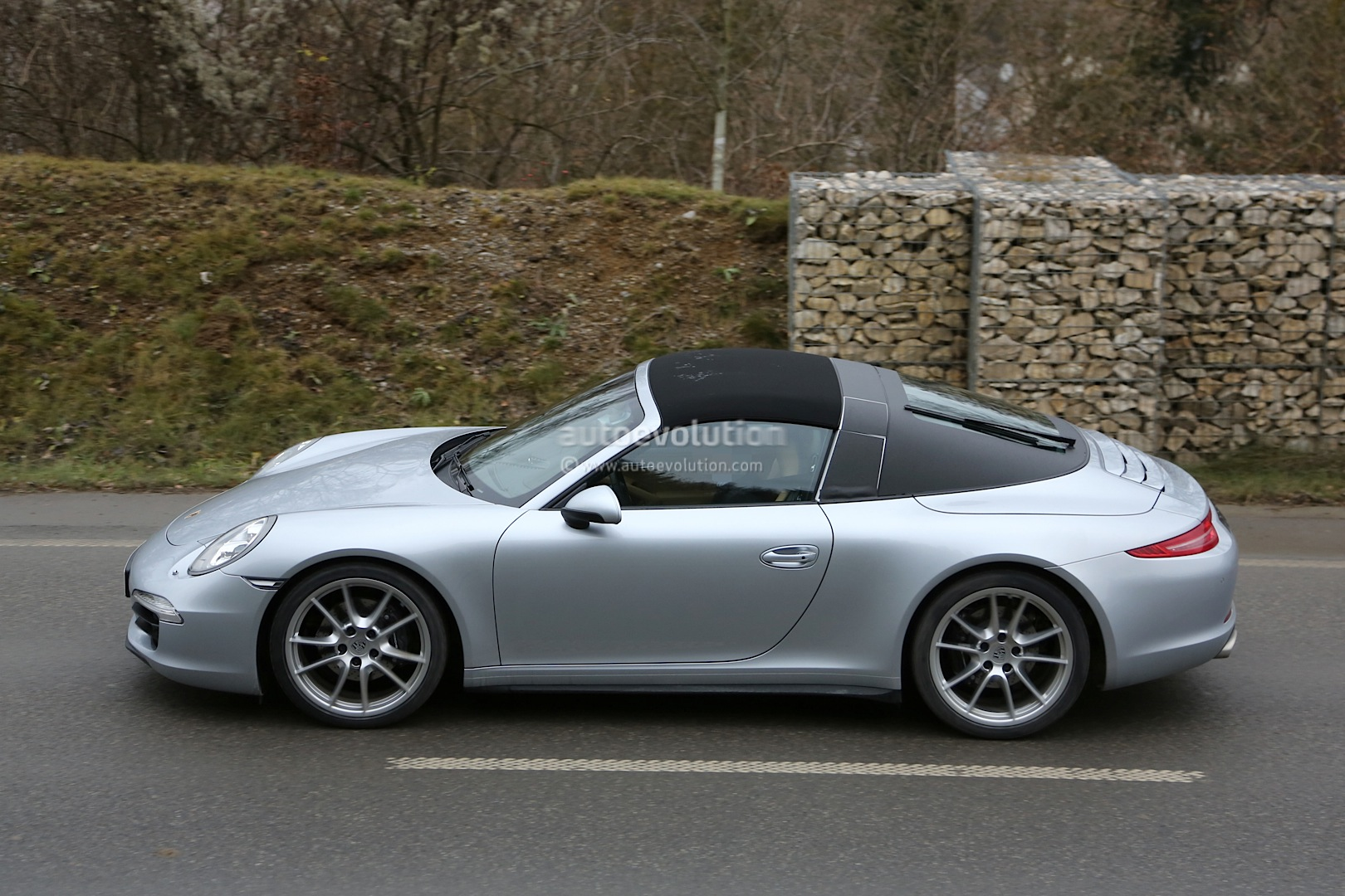 Spyshots New Porsche 911 Targa Almost Undisguised