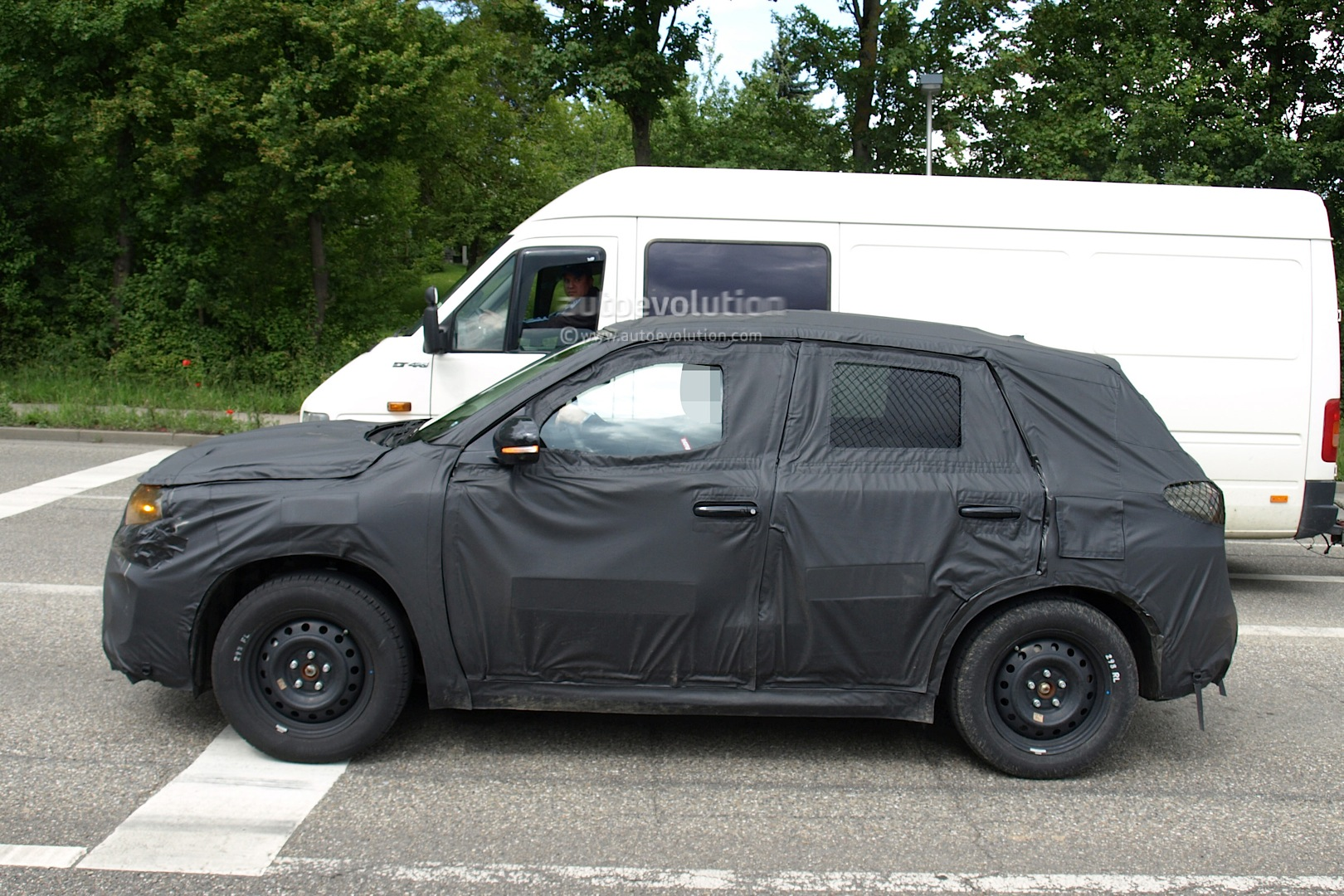 Spyshots New Suzuki Grand Vitara Compact Suv Autoevolution