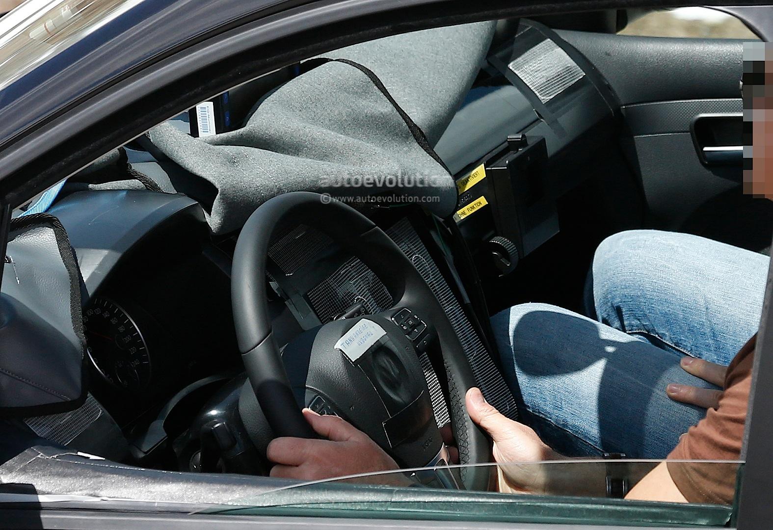 Spyshots: New Volkswagen Caddy Interior Revealed - autoevolution