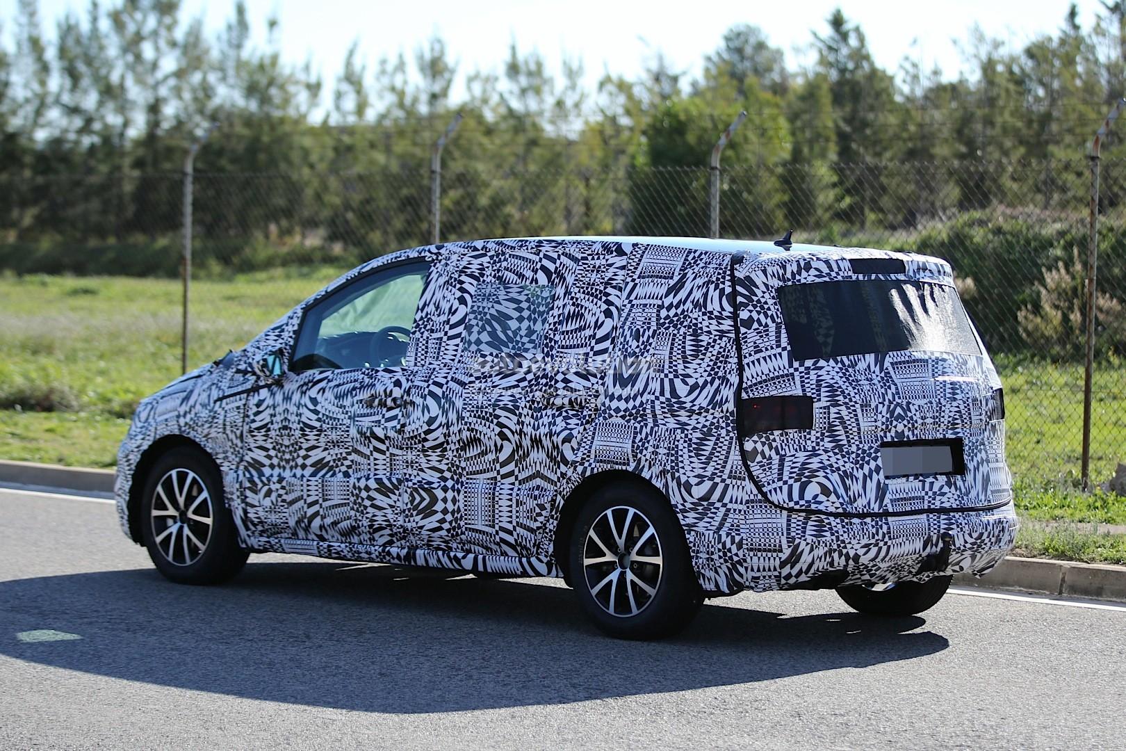 2015 - [Volkswagen] Touran - Page 3 Spyshots-new-volkswagen-touran-seen-testing-in-souther-europe_11