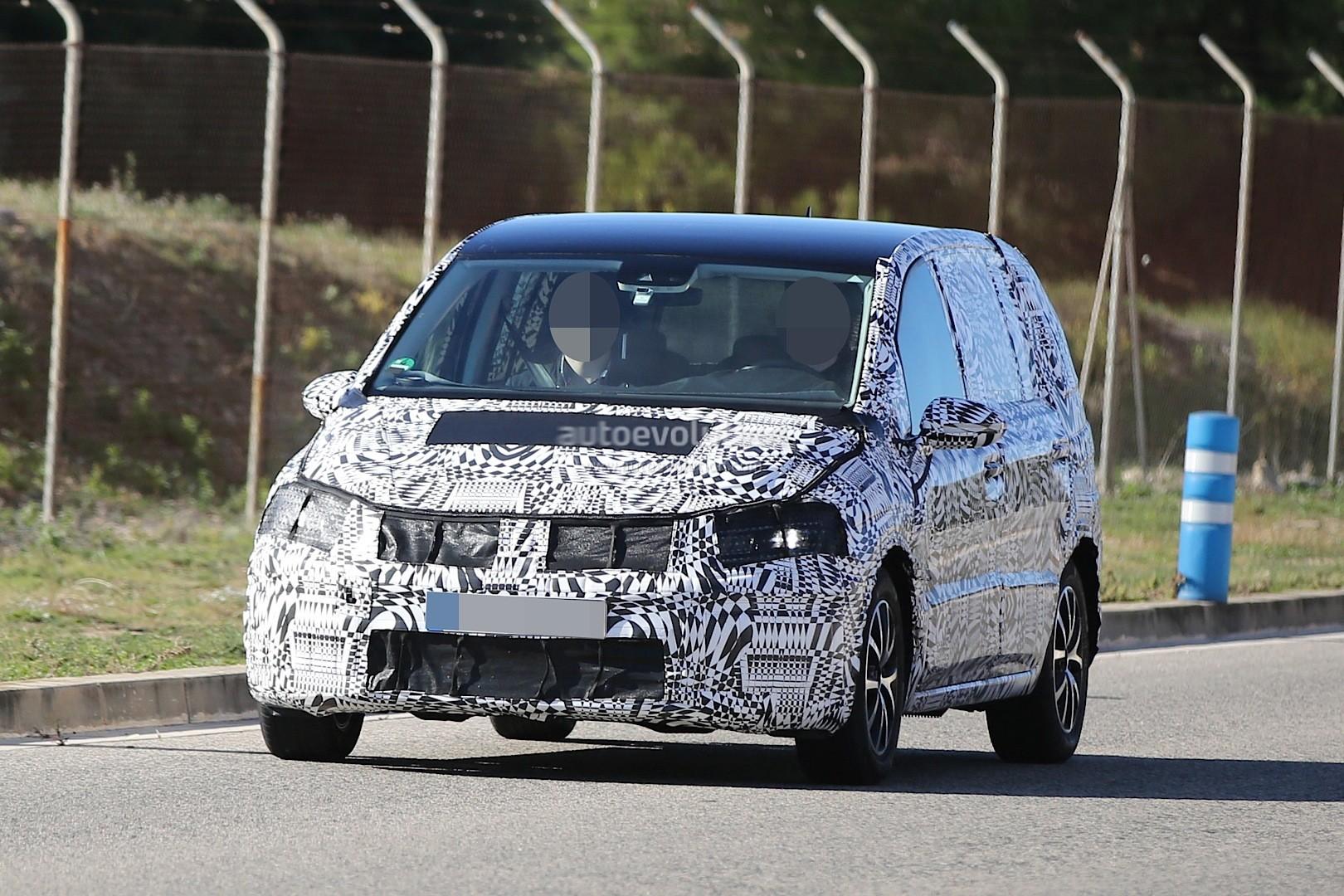 2015 - [Volkswagen] Touran - Page 3 Spyshots-new-volkswagen-touran-seen-testing-in-souther-europe_7