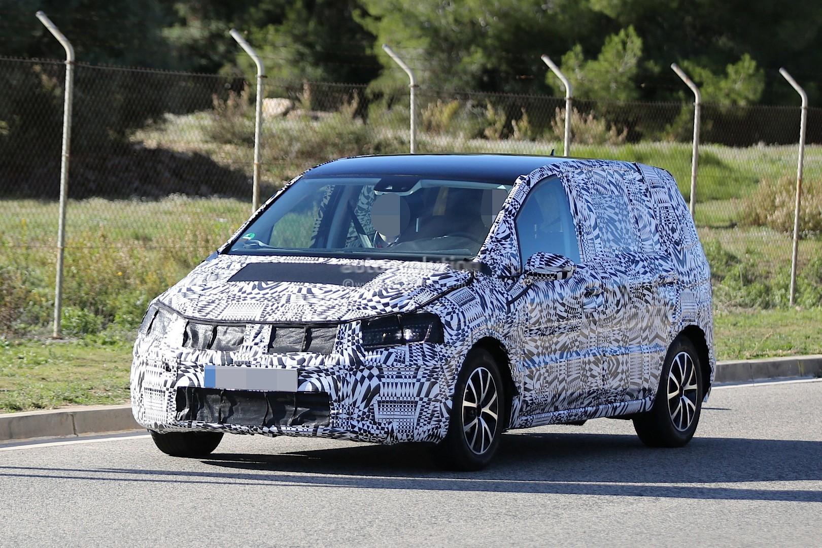 2015 - [Volkswagen] Touran - Page 3 Spyshots-new-volkswagen-touran-seen-testing-in-souther-europe_8