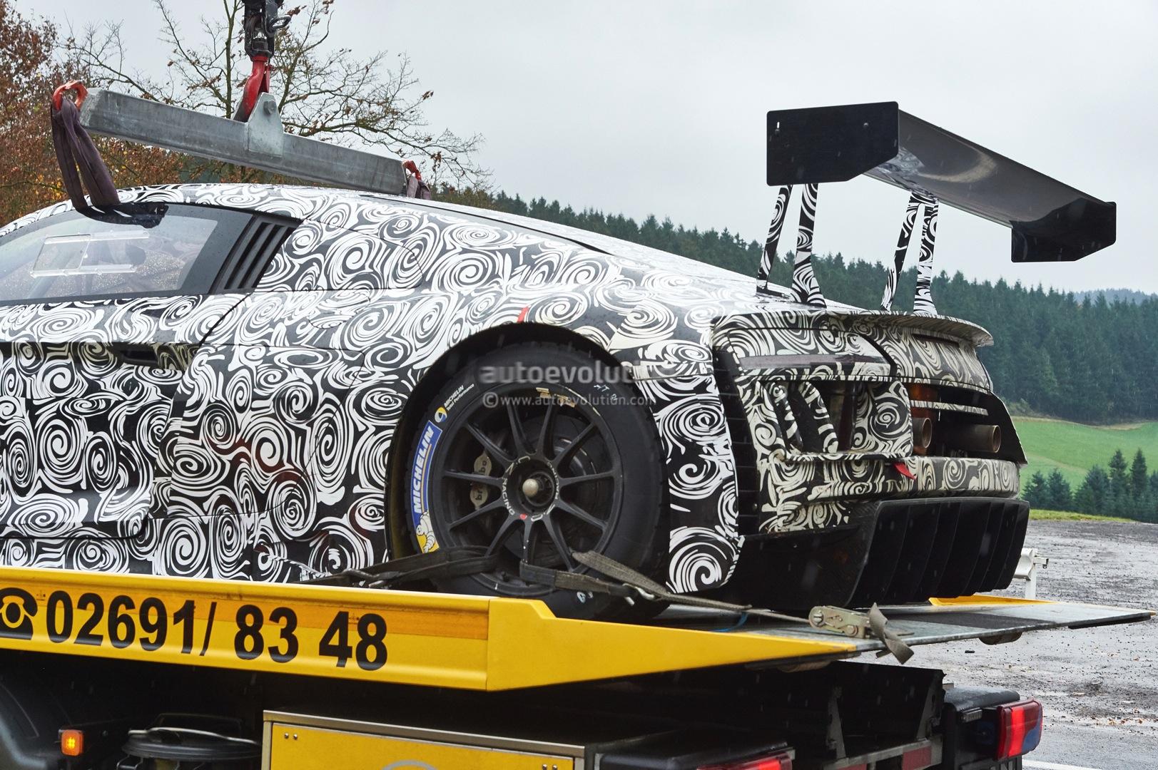 Spyshots: Next-Gen 2015 Audi R8 LMS Ultra Racer Breaks Down - autoevolution