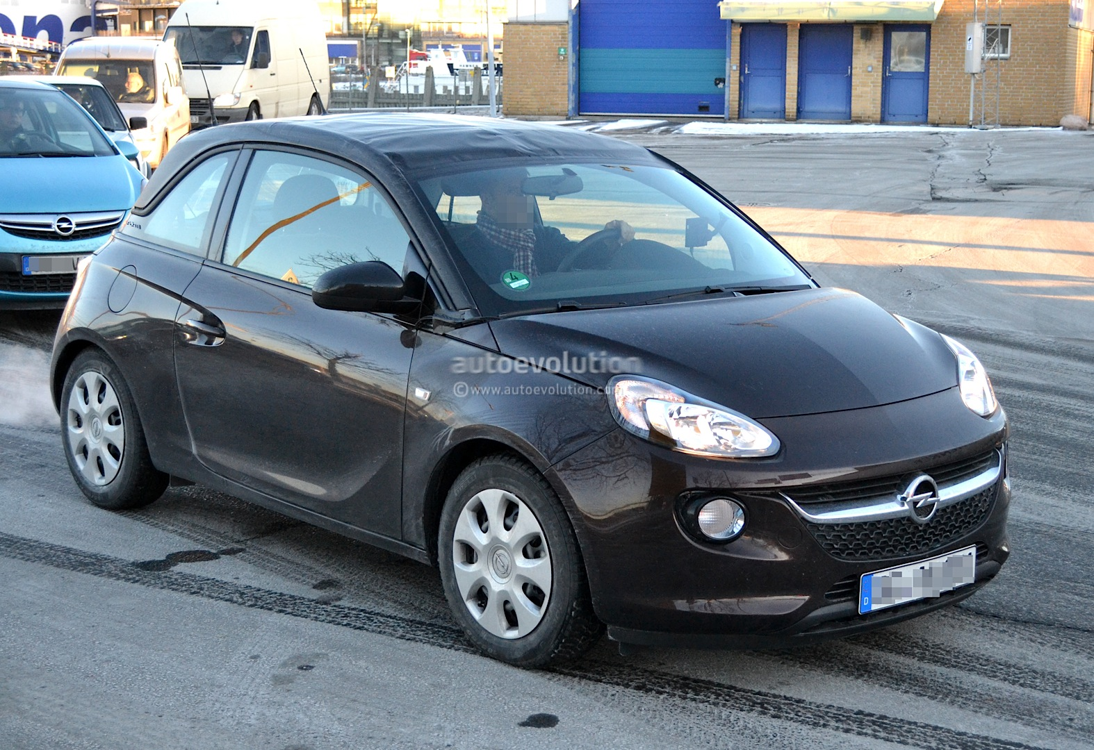 spyshots opel adam cabrio first photos autoevolution. Black Bedroom Furniture Sets. Home Design Ideas
