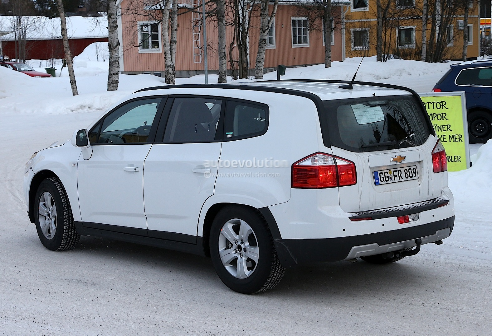 Spyshots Opel Antara Chevrolet Captiva Suv Test Mules Autoevolution