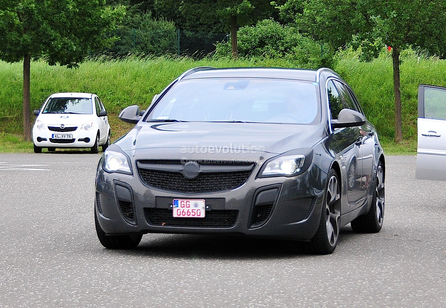 Opel insignia opc sports tourer 5 at 2010 opel insignia opc sports - Opel Insignia Opc Sports Tourer Opel Insignia Opc Sports Tourer
