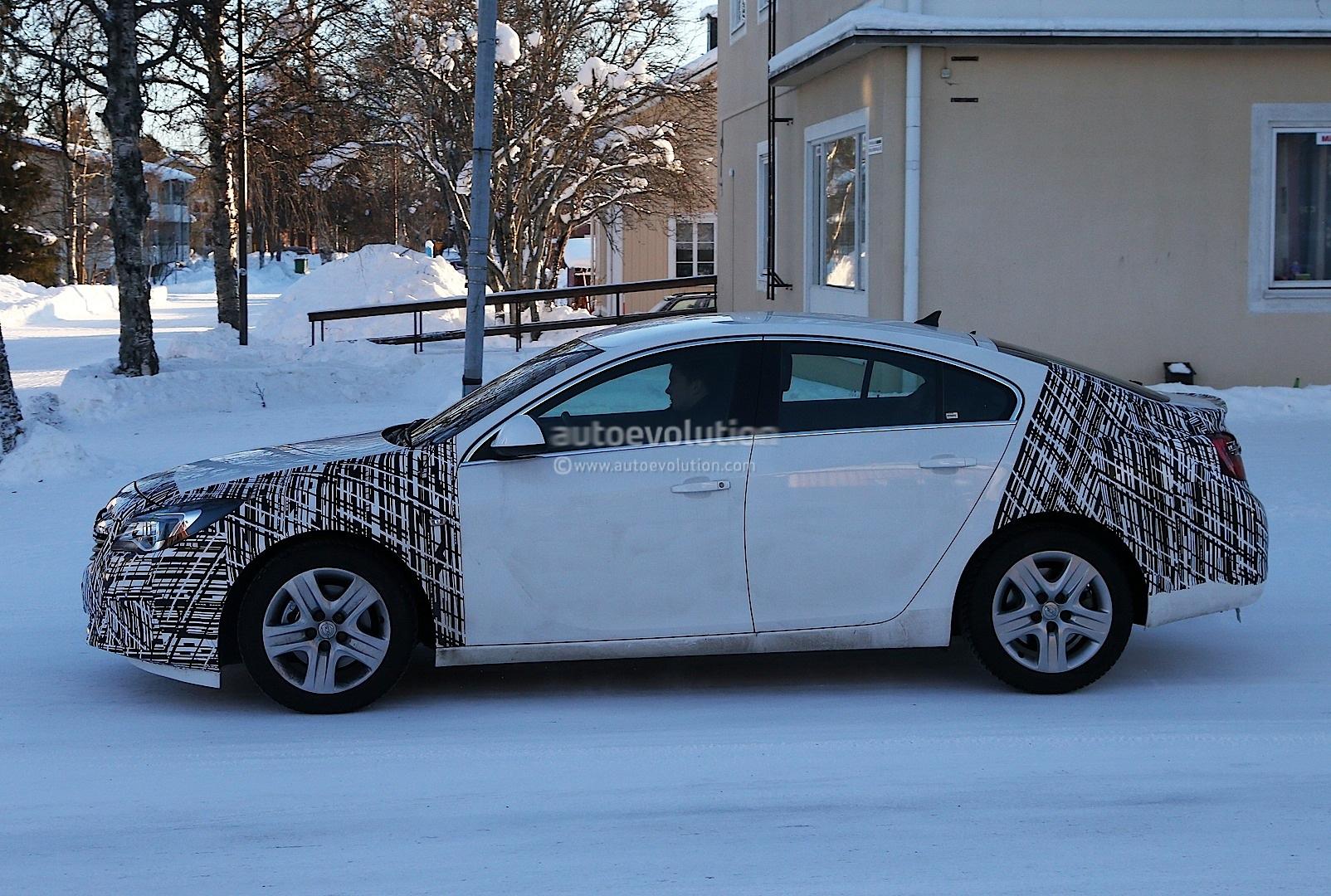 Spyshots: Opel / Vauxhall Insignia Facelift Sports New Headlights