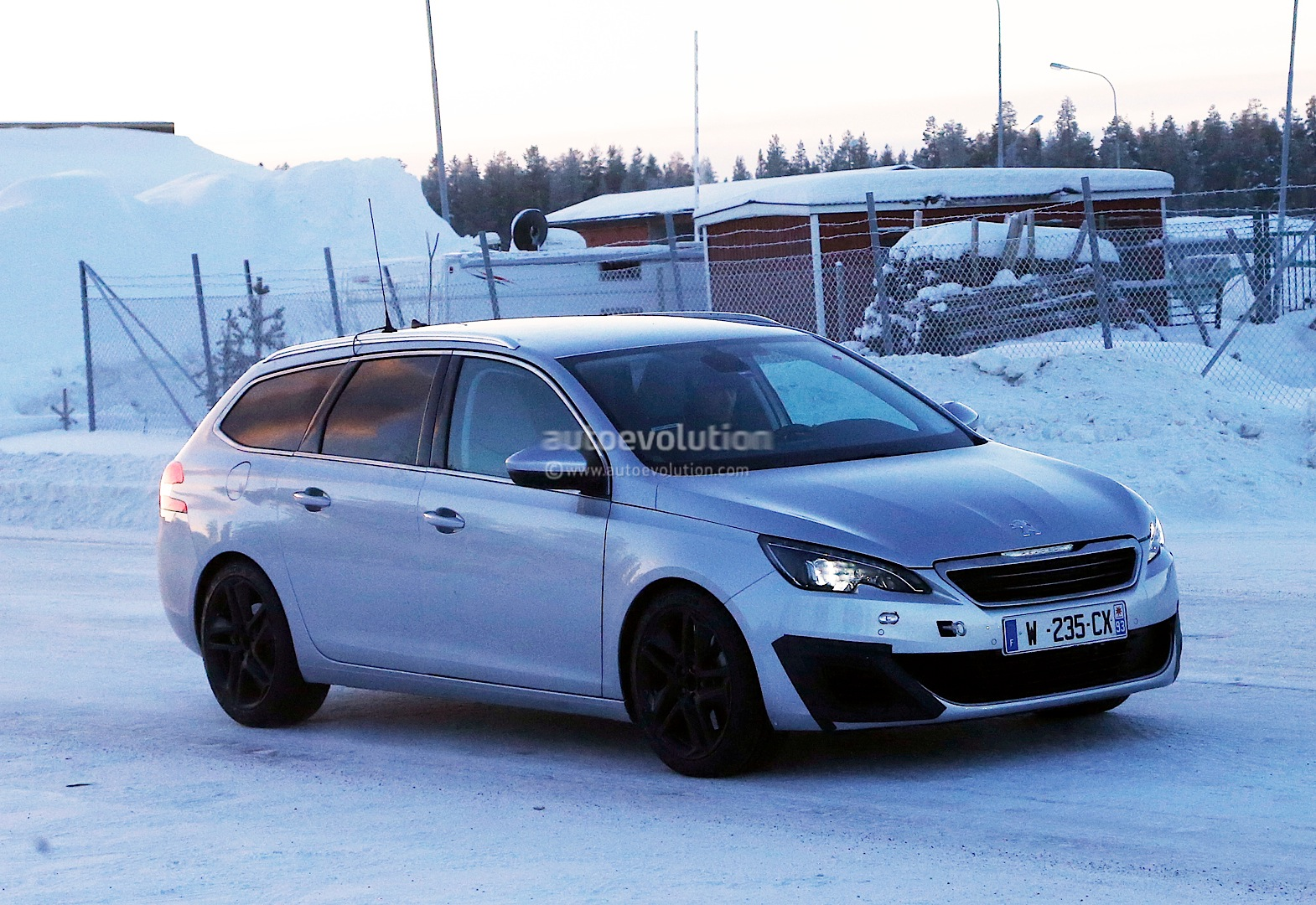 spyshots peugeot 308 sw gti the hot french estate autoevolution. Black Bedroom Furniture Sets. Home Design Ideas