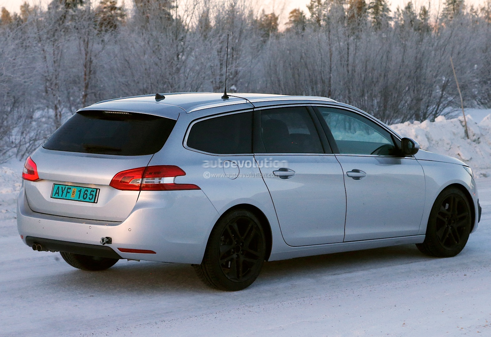 spyshots peugeot 308 sw gti the hot french estate. Black Bedroom Furniture Sets. Home Design Ideas