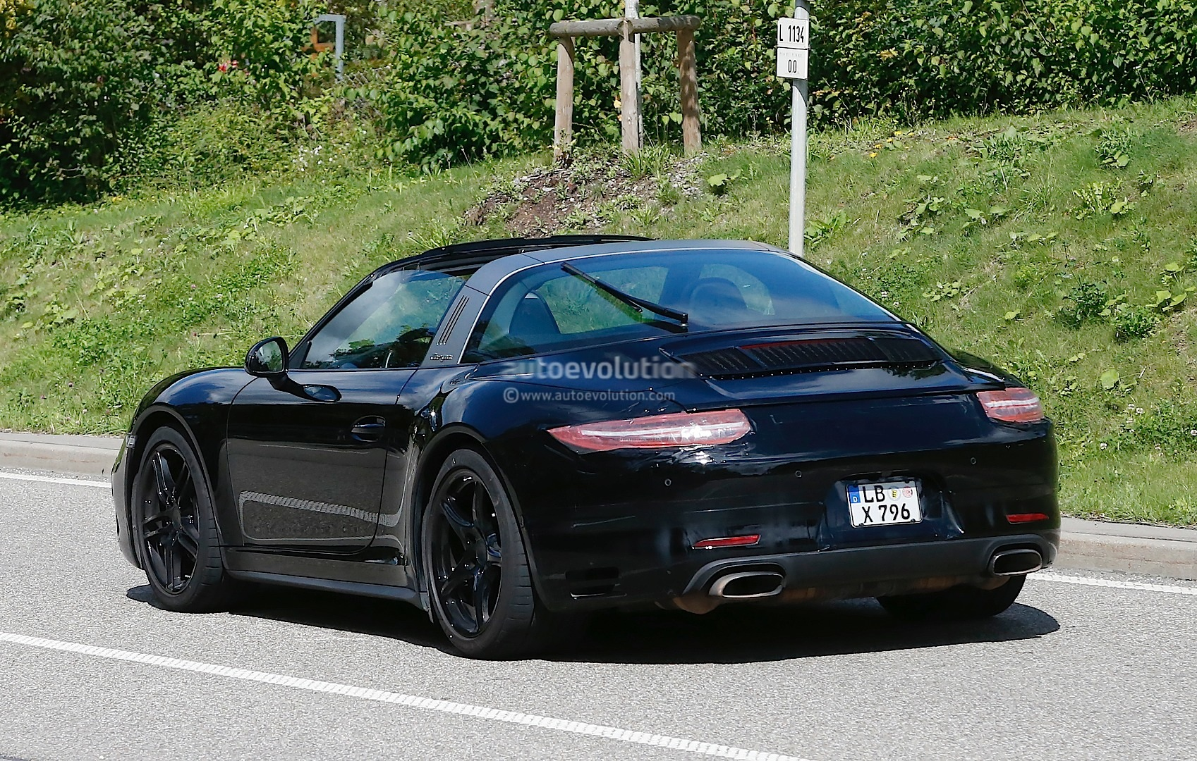 Spyshots Porsche 911 Targa Facelift Almost Ready For