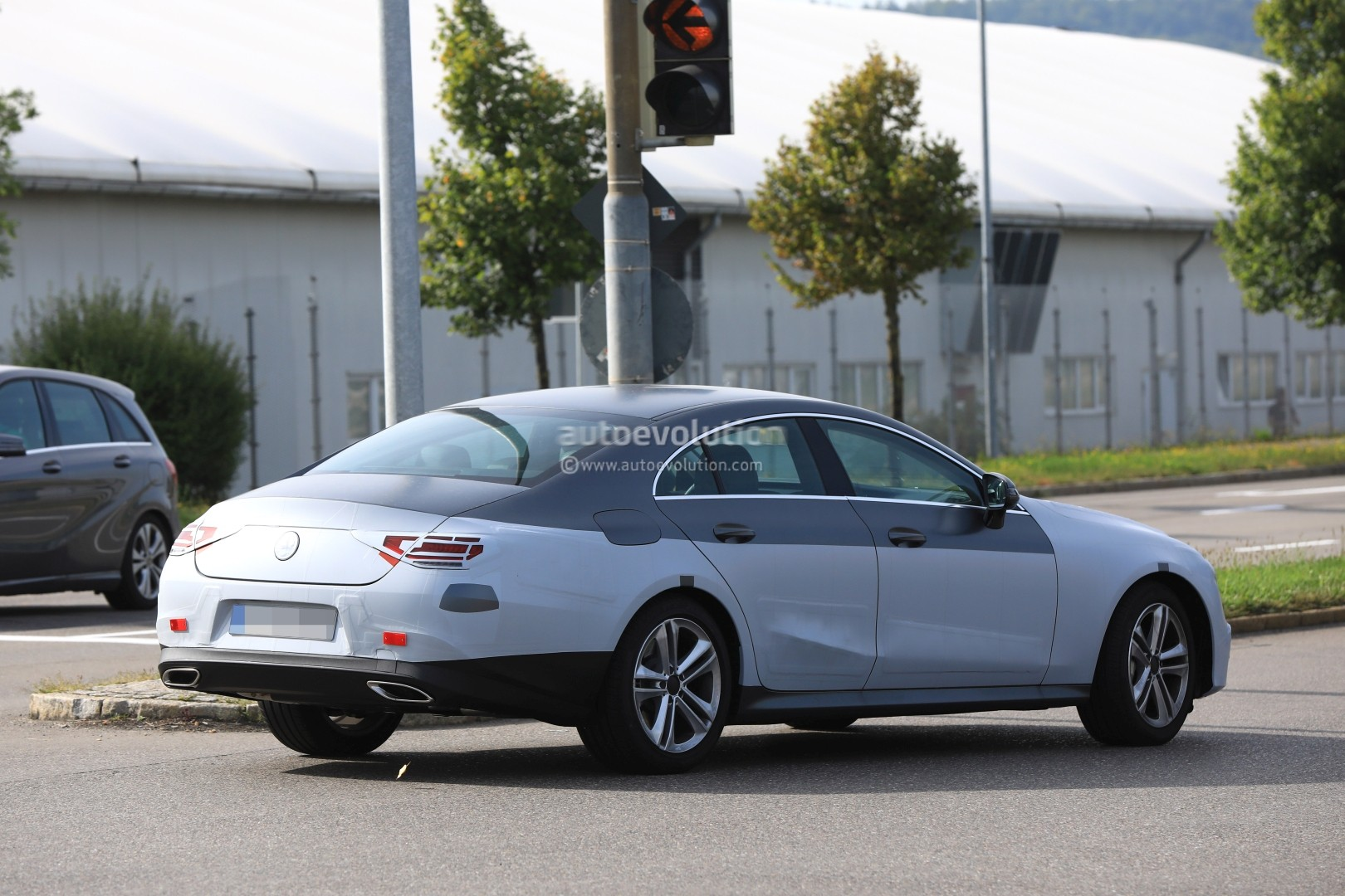 2018 - [Mercedes] CLS III  - Page 3 Spyshots-production-ready-2018-mercedes-benz-cls-amg-line-has-darth-vader-face_16