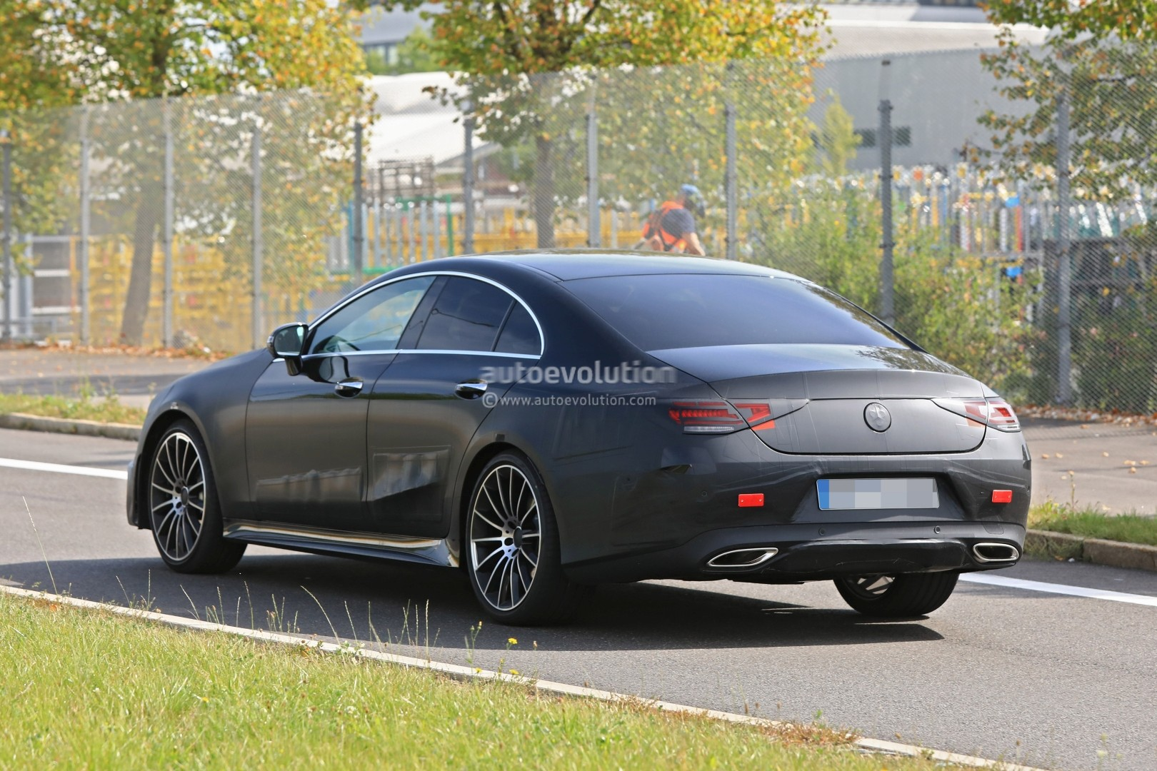spyshots production ready 2018 mercedes benz cls amg line has darth vader face autoevolution. Black Bedroom Furniture Sets. Home Design Ideas