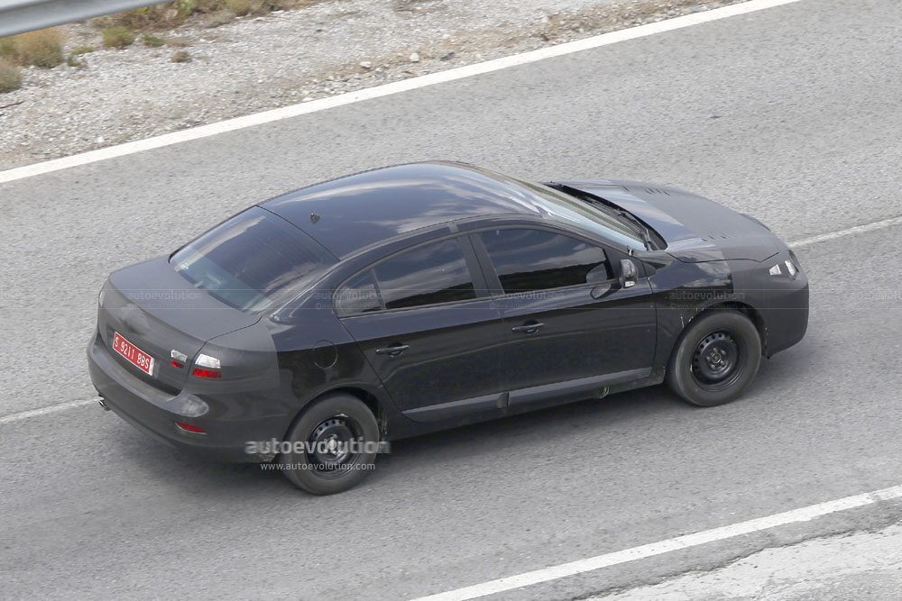 spyshots renault megane sedan autoevolution. Black Bedroom Furniture Sets. Home Design Ideas