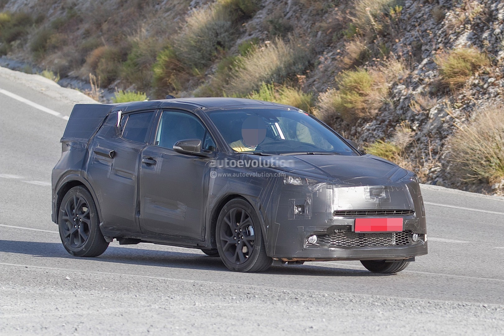 Spyshots Toyota Crossover Spotted During Tests Will