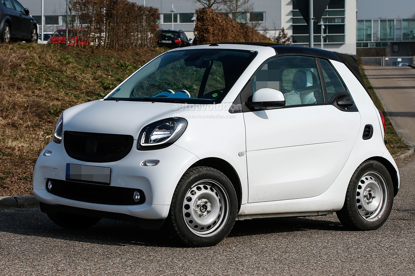 spyshots undisguised 2016 smart fortwo cabrio spied in. Black Bedroom Furniture Sets. Home Design Ideas