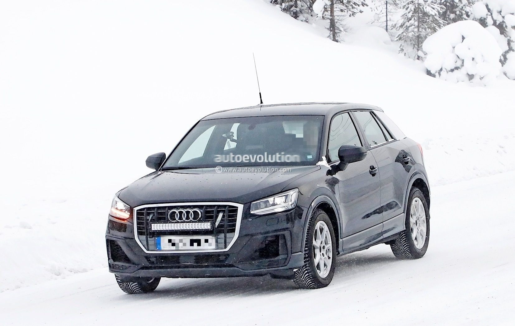 Spyshots: Undisguised 2019 Audi SQ2 Has Snow Camo and Four Tailpipes - autoevolution