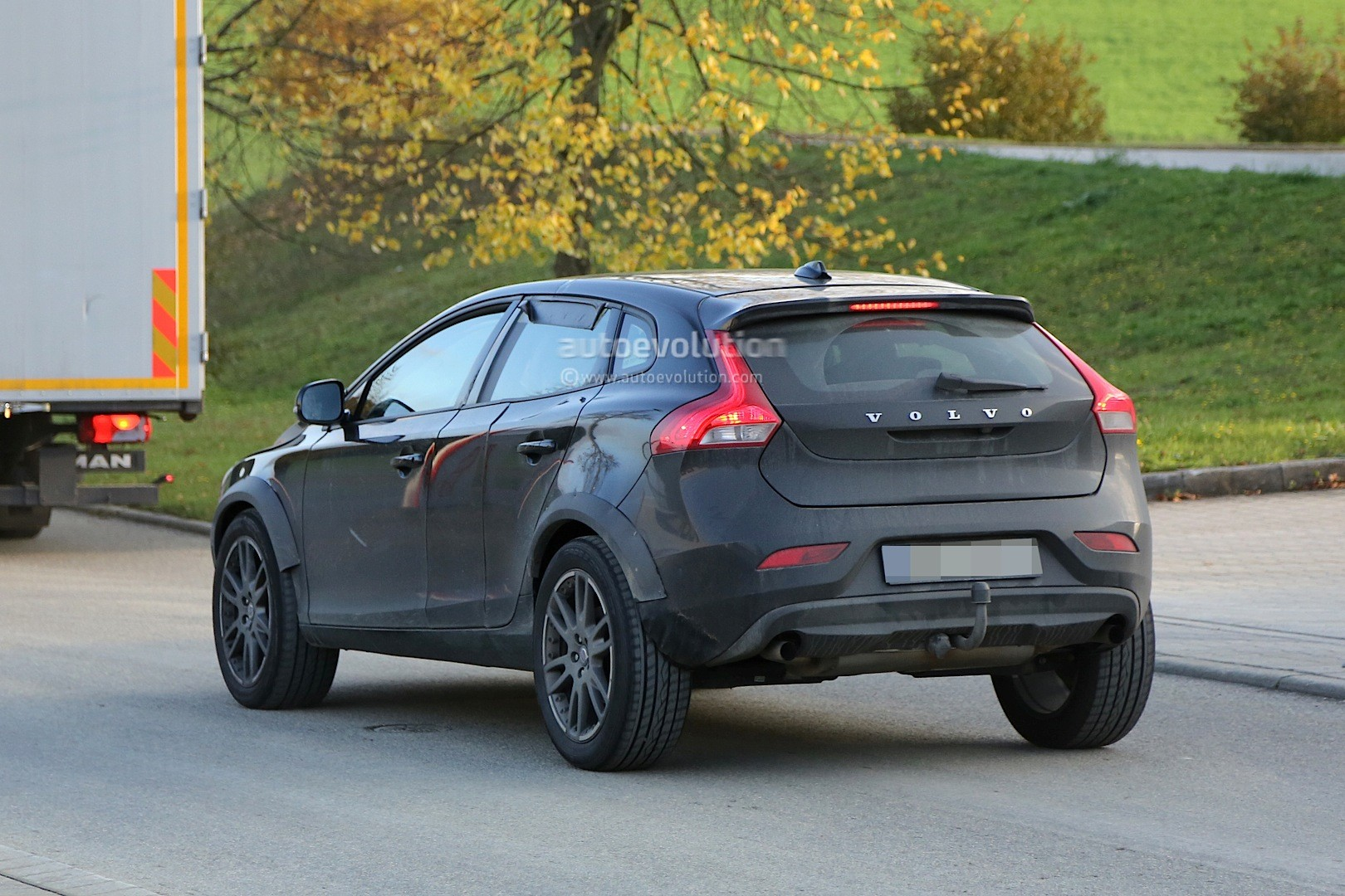 spyshots  volvo xc40 coming in 2018  will be built in belgium and compete with gla  x1