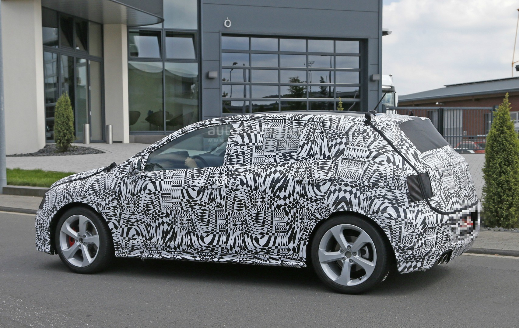 spyshots why the 2018 volkswagen polo gti might have a 2 0l turbo autoevolution. Black Bedroom Furniture Sets. Home Design Ideas