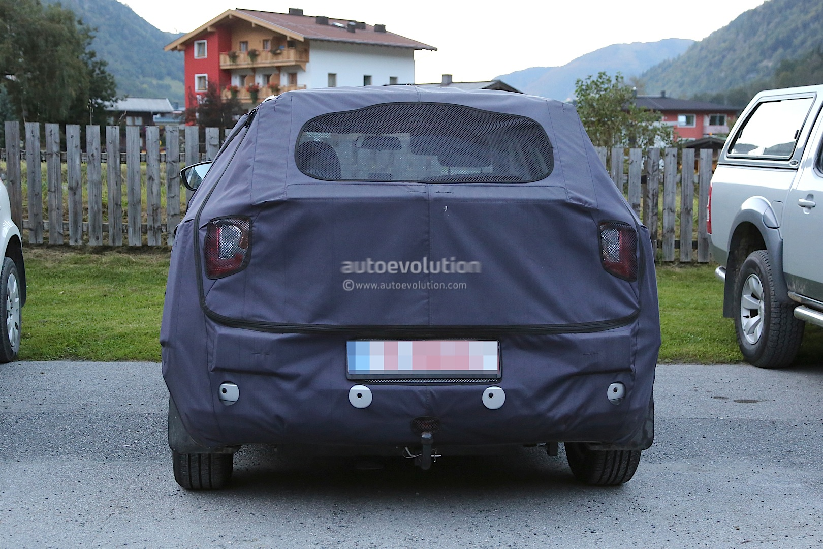 2015 - [Ssangyong] Tivoli [X100]  - Page 2 Ssangyong-x100-spied-photo-gallery_11