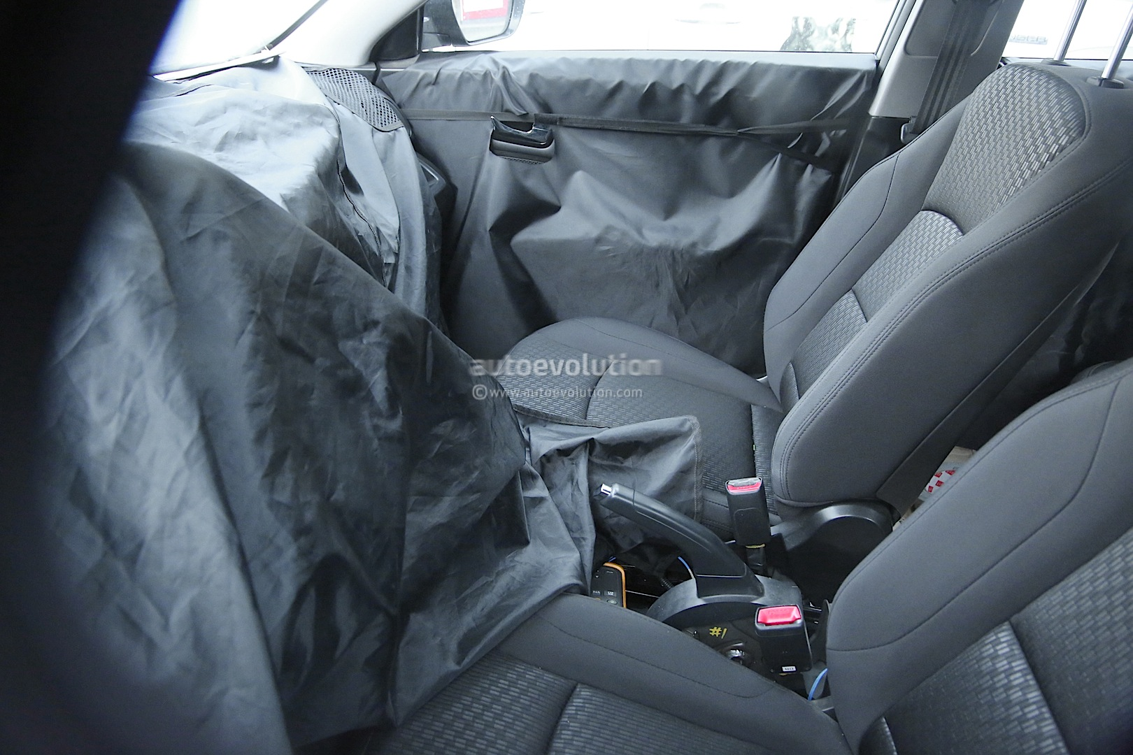 2015 - [Ssangyong] Tivoli [X100]  - Page 2 Ssangyong-x100-spied-photo-gallery_12