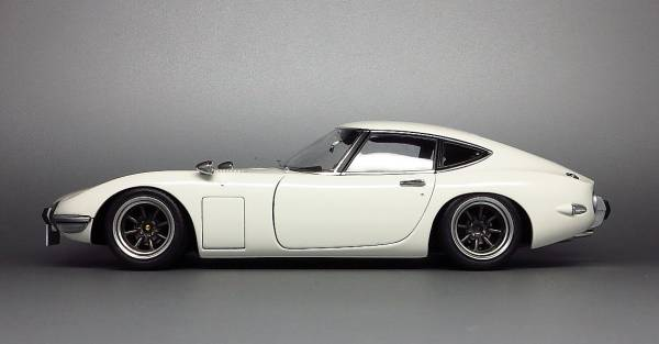 Stanced Toyota 2000gt Is A Cool Diecast Autoevolution