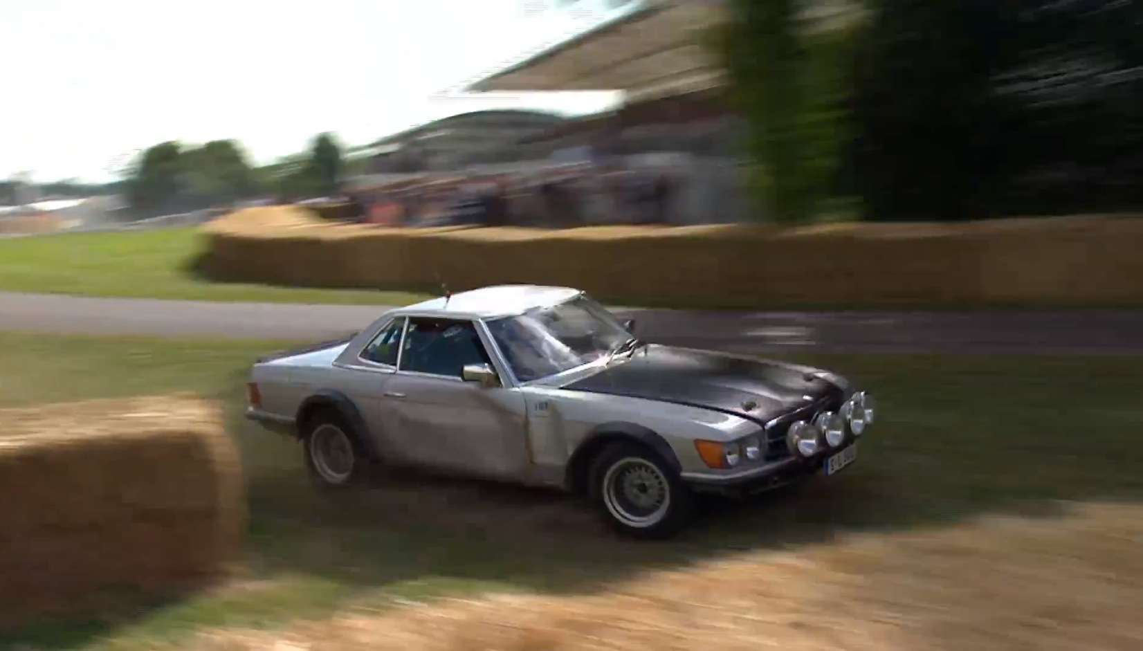 Stillborn Mercedes-Benz 500 SL Rally Car Crashes at Goodwood ...