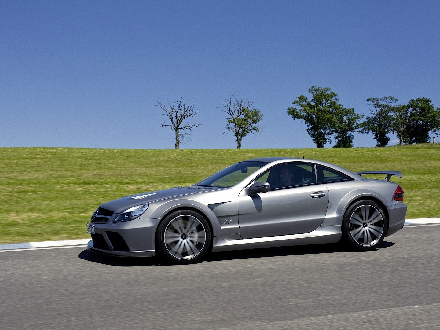 Stock Sl 65 Amg Black Series Vs Tuned Bmw M6 F12 Vs Tuned