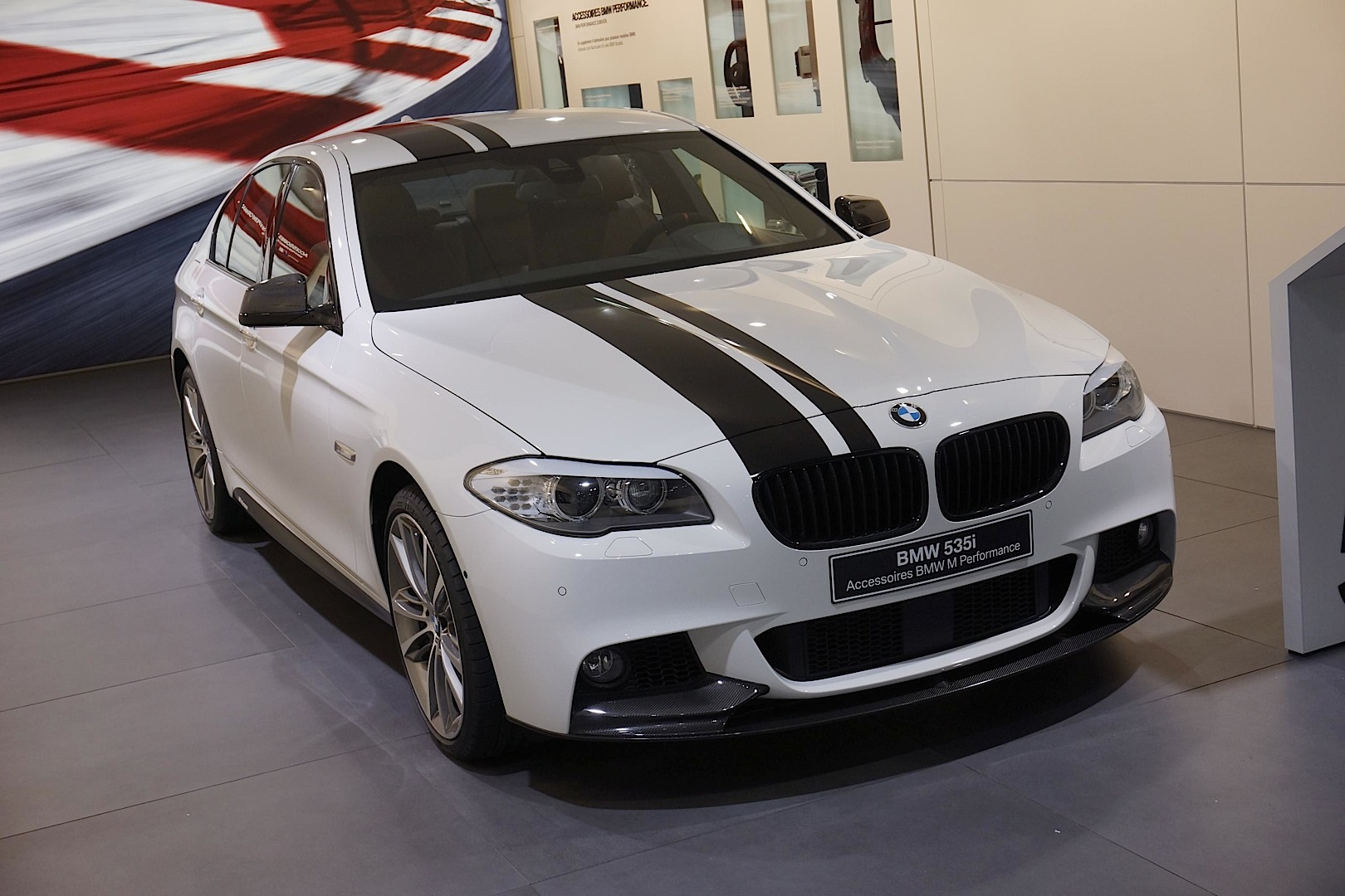 Striped Bmw F10 535i M Sport Shows Up In Geneva Autoevolution