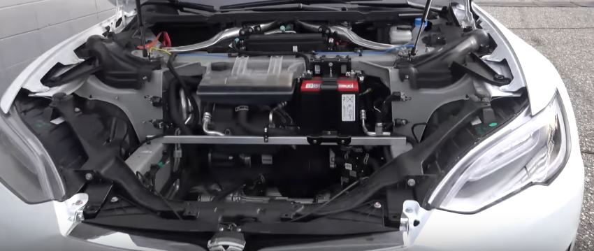 Tesla Model S Driver Removes Frunk to Save Weight, Sets 10 4s 1/4