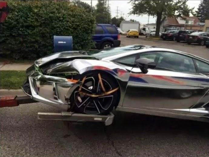 student driving chrome lamborghini to university has a crash