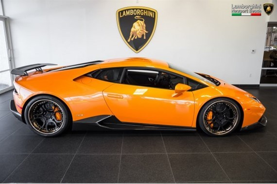 Supercharged Lamborghini Huracan With Carbon Fiber Kit For