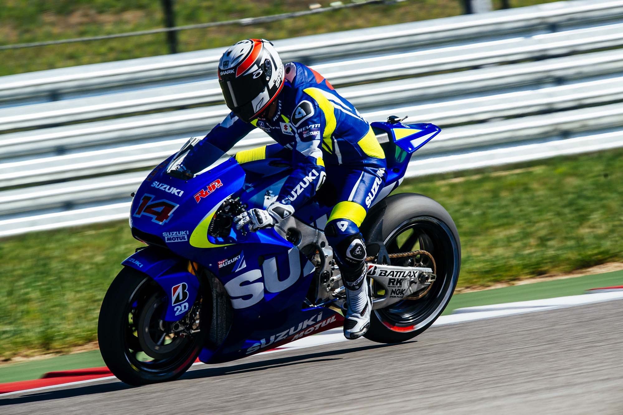 Suzuki on Par with Open Bikes at the COTA Test, Schwantz Rides, Too - autoevolution