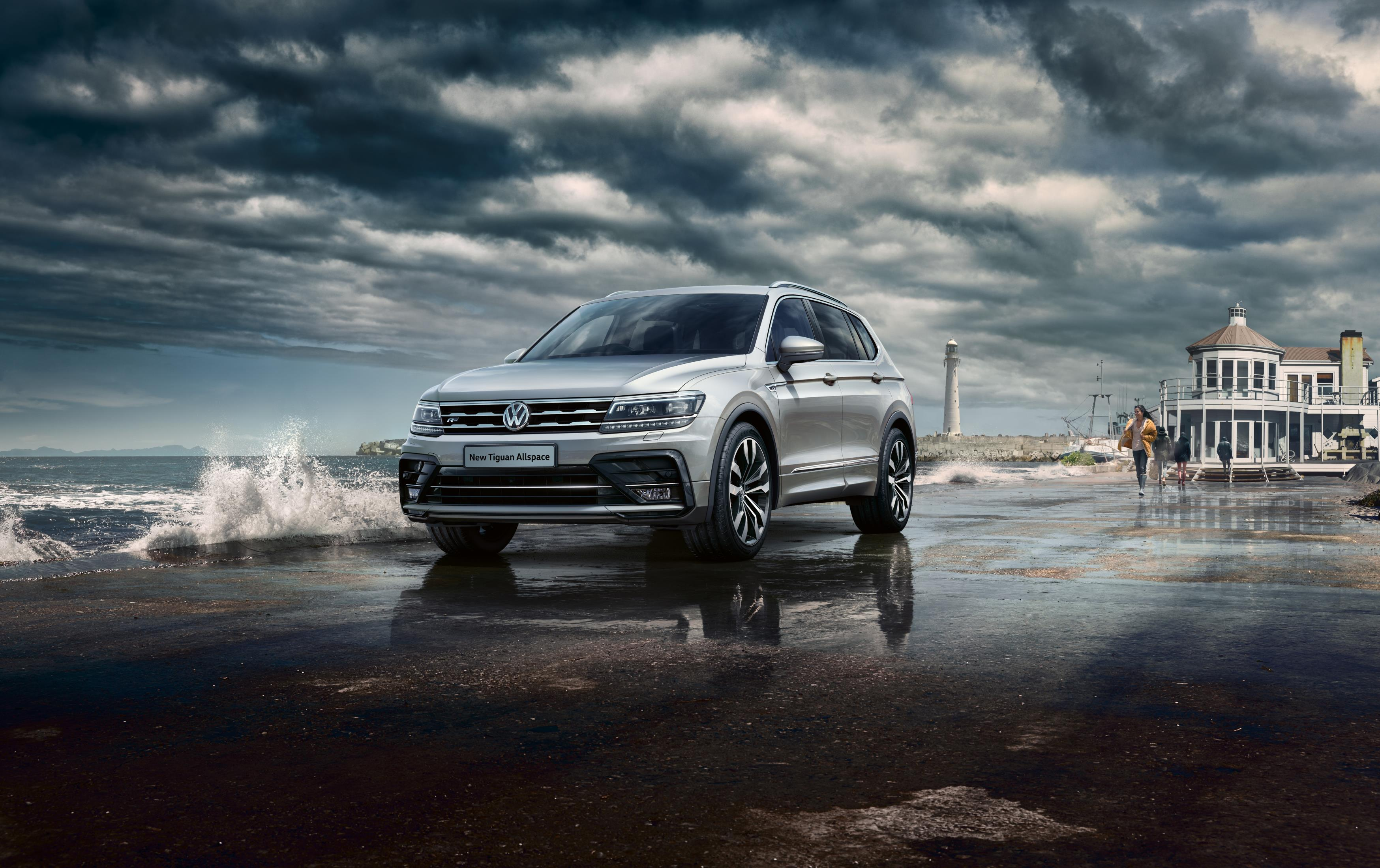 Roc And Tiguan Allspace Try To Look Fast With R-Line Trims
