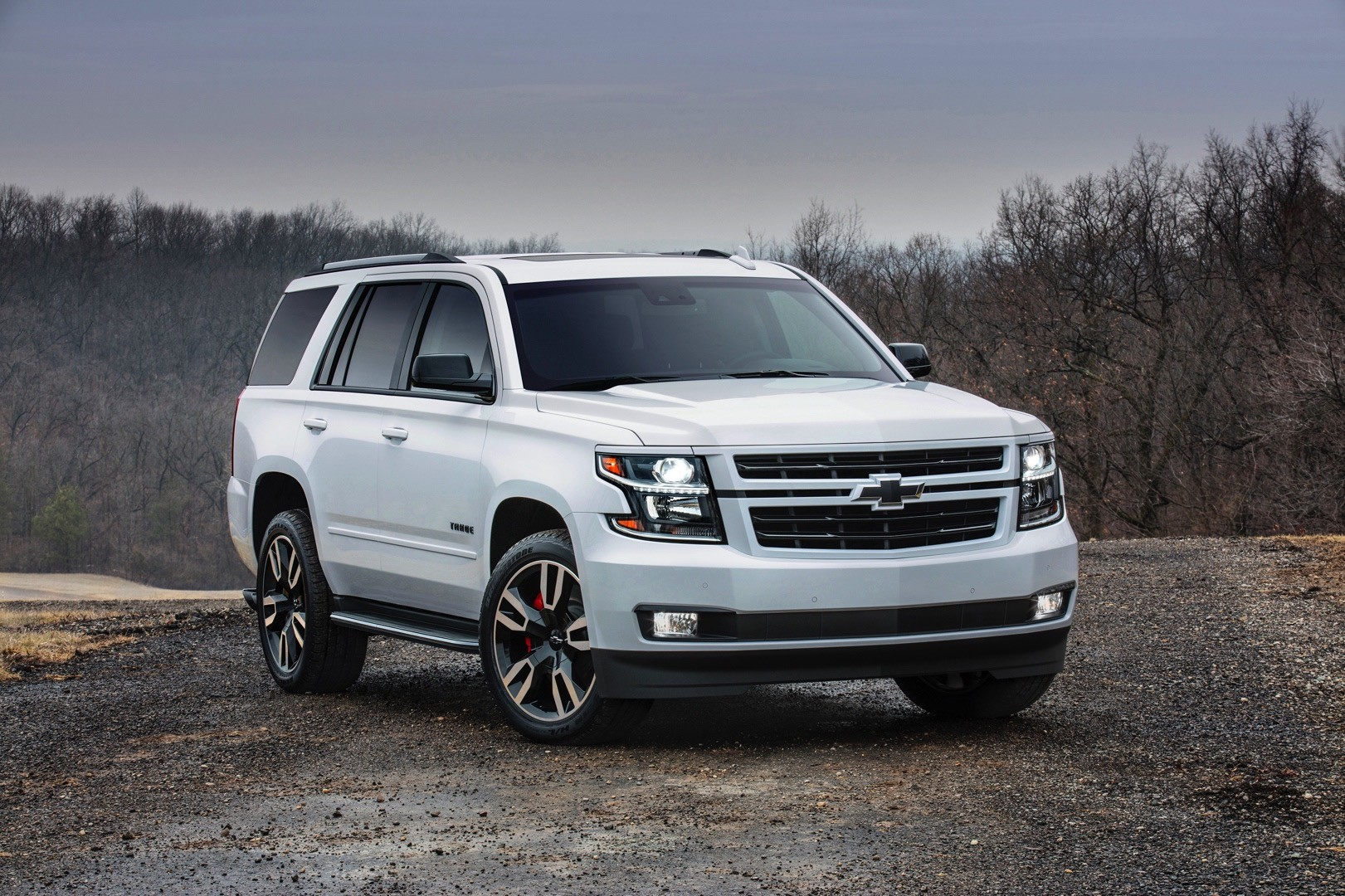 tahoe rst is a full size chevrolet suv packing 420 hp autoevolution. Black Bedroom Furniture Sets. Home Design Ideas
