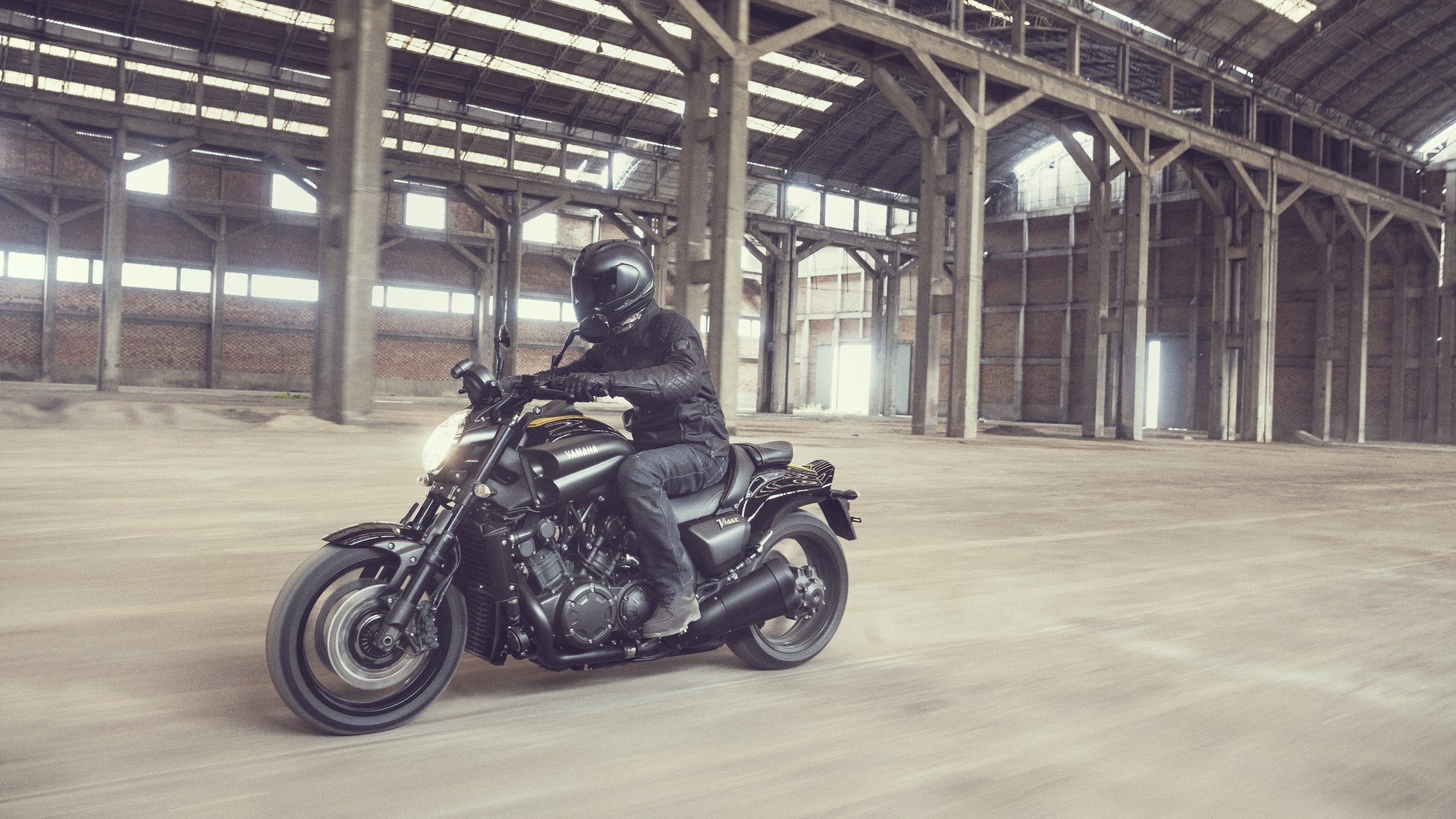 Take A Bow The Yamaha VMAX Leaves Scene