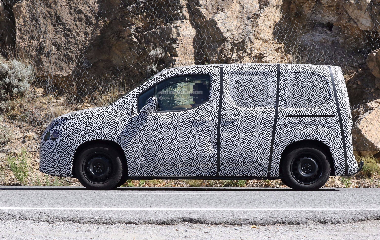 2018 Peugeot Partner Test Car Blows Smoke Like a Chainsmoker
