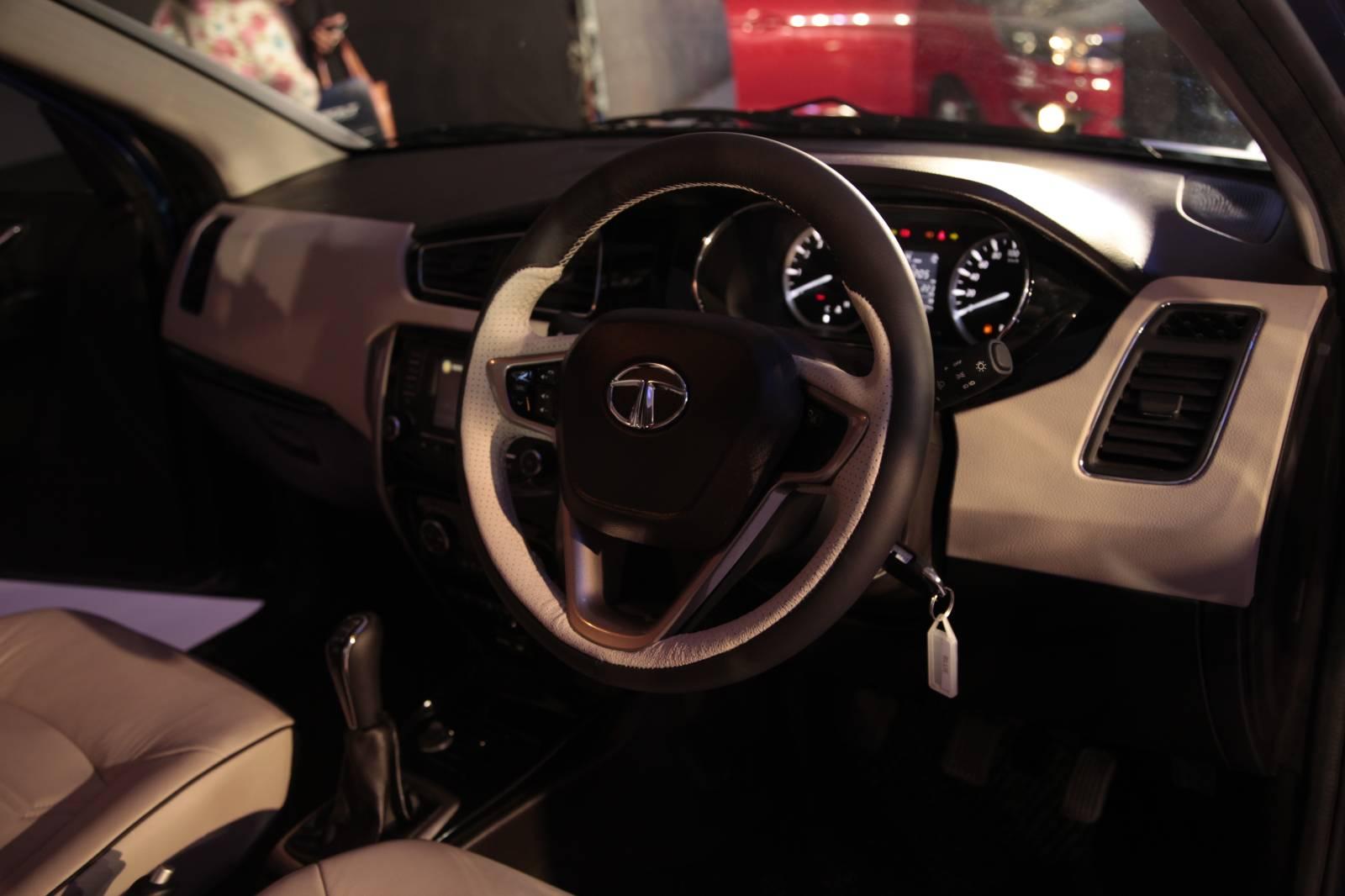 tata zest sedan and bolt hatch unveiled in new delhi live photos autoevolution. Black Bedroom Furniture Sets. Home Design Ideas