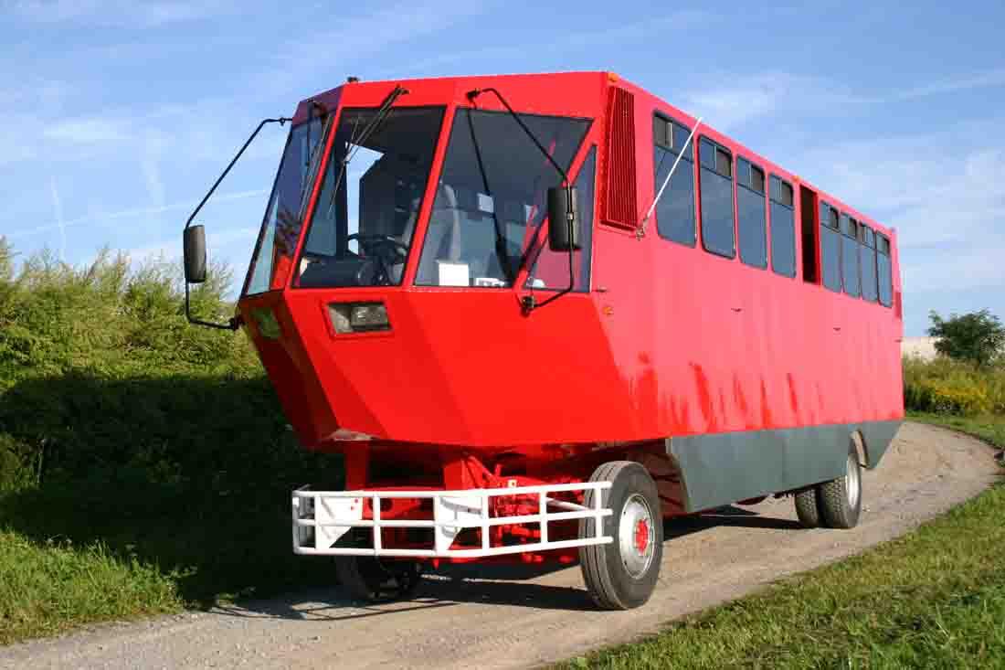 Terrawind Looks Like an Amphibious School Bus - autoevolution